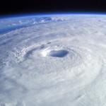 台風1号 歴史上記録にない最強ラスボスにクラスアップ このまま行けば800hpaまで成長か