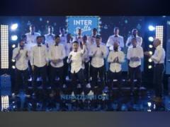 【 動画 】インテル長友佑都、メンバーが歌うクリスマスソングでセンターになるw