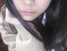 AKB48山内鈴蘭 ウンチを踏んだら、まずニオイをかぐ