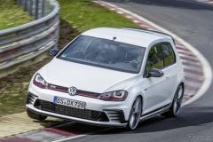 VW ゴルフ GTI、ニュルで2秒短縮