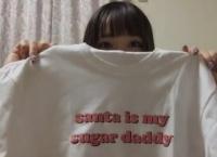 【悲報】チーム8 服部有菜c、やばいTシャツを買ってしまうwww