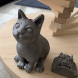 『碧南の工務店イタヤが、猫ファン待望「ニャンと幸せ」リフォーム!鬼師が作る「猫守神」、30万円の総檜キャットタワーも新発売』の画像