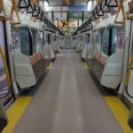 何で日本人は地下鉄で寝れるの?外国人が日本の地下鉄に疑問