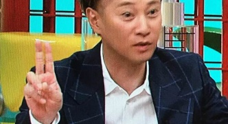 【悲報】中居正広さん、ハゲを隠すのが面倒くさくなってきた