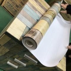 【スタッフ実演】シール壁紙で引出しワゴンをオシャレ木目リメイク