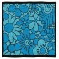 <ポイント>●色合い鮮やかなブルーとレッドの花柄が…