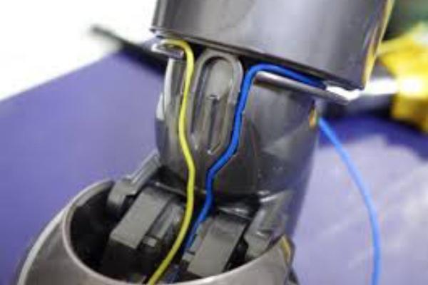 モーター ヘッド 回ら ない ダイソン ダイソンDC62モーターヘッドが回らない対策 7年使っった掃除機分解清掃