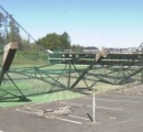 台風19号の強風でゴルフ練習場の鉄塔10本がネットと共に倒壊【横浜】