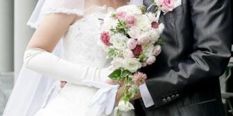 親友の結婚式、来られなくなった親戚の代わりに来てほしいと連絡が。日程を見て嫁に話すのが億劫に感じてる…