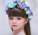 「世界一美しい少女」6歳のモデルが話題に お人形のような完璧な顔立ちと宝石のようなキラキラの瞳 兄もイケメン