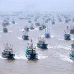 中国船、尖閣周辺に8/7(日)は230隻→8/8(月)は400隻来ていた