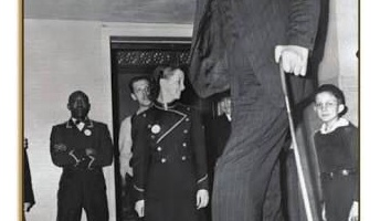 人類史上最も身長の高かった人間、ロバート・ワドローという男が巨人すぎる件