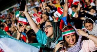 女性のサッカー観戦、40年ぶり解禁 割り当てチケット即時完売 先月は男装して捕まった女性が焼身自殺  【イラン】