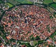 進撃のモデルとなったドイツのネルトリンゲンと城塞都市カルカソンヌ