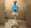 新型ウイルス患者の診察にロボットを使用