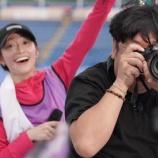 『【乃木坂46】日村にピント合いすぎw 設楽が撮影した日村×桜井の2ショットが面白すぎるwwwwww』の画像