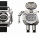 ロボットに変形する腕時計「TOKIMA」、30年ぶり新製品 バカ「携帯で充分!」
