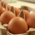 「生たまご50個早食い競争」挑戦中、41個食べた男性(42)が突然死亡