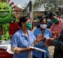 インドのコロナワクチン接種会場のマスコットキャラクターがかわいい