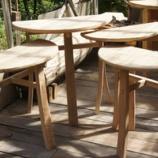 『樽材のテーブル・アマガエル変色』の画像