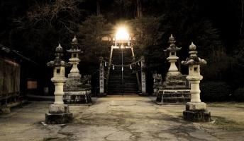 【秘儀】現役巫女が語る10年に1度の儀式「葛流女神社の御継の儀」が恐ろしい(前編)