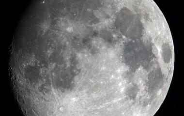 『梅雨の晴れ間のお月様(月齢12.9)』の画像