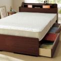 ◎便利な宮付宮には枕もとを優しく照らすツインライト…