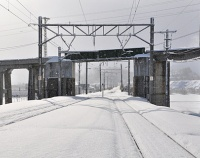 『あけぼのと弘南鉄道ラッセルの交差が実現』の画像