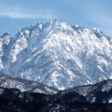 明治の登山家「人類で始めて剱岳に登ったぞ!あれ、何か刺さってる…」