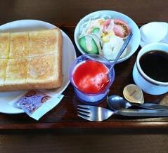 岩倉駅東口のロータリー前に佇むオサレな喫茶店で充実モーニング//珈琲処 角島