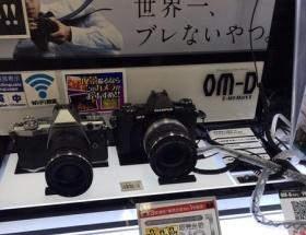 元HKT48菅本裕子さん「XT-1を買いに行ったら、店員にオリンパスのOM-Dを猛プッシュされ、これになった!」