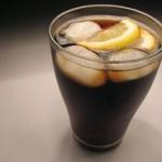 健康志向の高まりで炭酸飲料が低調…米コカ・コーラ純利益55%減