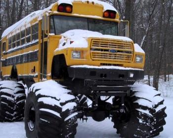 小学生を乗せたスクールバス、雪道で進めないと判断し児童4人を下ろし歩いて帰宅させて問題に 山梨・町立鰍沢小学校