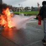 【悲報】高校で消火器ぶちまけた結果wwwwwwwwwwwwwwwww