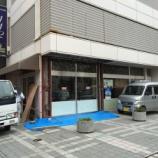 『街中の老舗喫茶Room112に工事車両が?閉店かと思いきや車が突っ込んだので修理工事をしたみたい』の画像