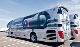 【乗り物】   日本から 宇宙仕様の バスが 登場。 バス内部 のあまりの未来感に 驚愕・・・・。 海外の反応