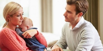 子供に嫌われてる奴はロクに育児に関わってこなかったんだろうな。そのツケが夫婦仲だけじゃなく子供から避けられるという事にまでなってんだな