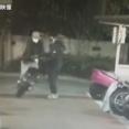 【防犯カメラ】初めて買ったバイクをわずか45秒で盗まれ被害者の男性怒り心頭