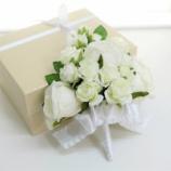 『レッスン生作品集 【純白のバラで作るケーキカットコサージ】』の画像