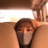 『まっちゅんwww 何で車のシートに挟まってるんだよw【乃木坂46】』の画像