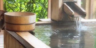 去年、車椅子の義両親を連れて温泉旅行に行った。バリアフリー対応の宿で本当に楽しかった。