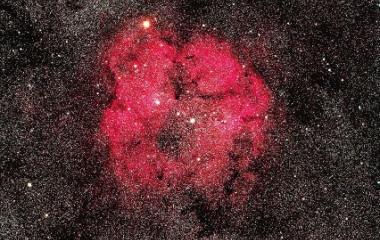 『シグマ150mmF2.8によるケフェウス座のIC1396散光星雲』の画像