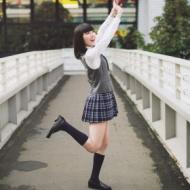 【悲報】 松井珠理奈の制服姿が現役なのにコスプレに見えるwwwwwwwwwww (画像あり) アイドルファンマスター