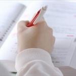 【画像】JKさん、クラスの輪に入るためにクラスの人間関係を全てノートに記してしまうwwwww