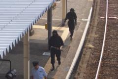 忍者に憧れ、忍者コスプレして深夜の治安活動の為に徘徊していた男警察に誤解され逮捕される
