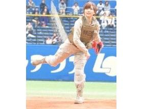 真野恵里菜、始球式で球速426キロの豪速球をマークwwwww