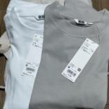 『ユニクロのTシャツを比較 エアリズムオーバーサイズTシャツ クルーネックT スーピマコットンリラックスフィットクルーT』の画像