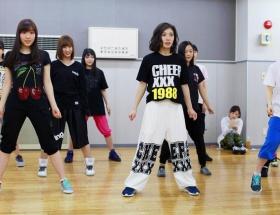松岡茉優ちゃんがモーニング娘。'16とダンスレッスンしてる時の画像がきたよ