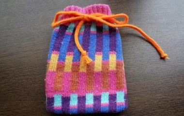 『ちょっと便利な袋物【靴下で作るミニポーチ】』の画像