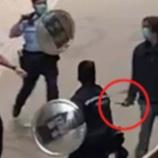 『【香港最新情報】「警官が過度な武力使用の疑い、警棒振るう動画がネット配信」』の画像
